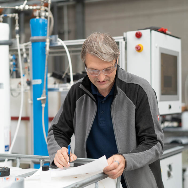 Services technology offer Joachim